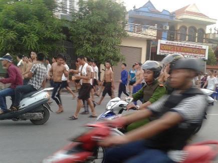 Hải Phòng: Náo loạn đường phố vì cả trăm người cai nghiện bỏ trung tâm ảnh 4