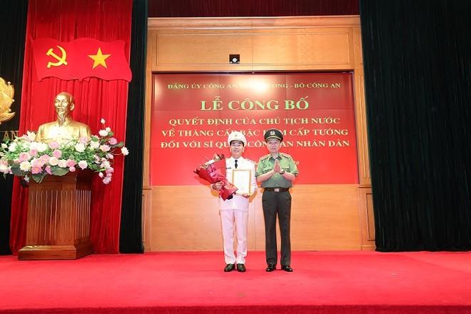 Trao Quyết định thăng cấp bậc hàm từ Thiếu tướng lên Trung tướng đối với Thứ trưởng Trần Quốc Tỏ ảnh 2