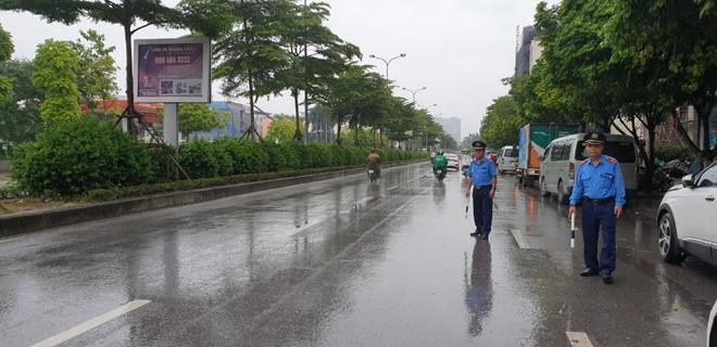Hà Nội: Xử phạt hàng loạt xe khách vi phạm trên đường Trần Vỹ ảnh 2
