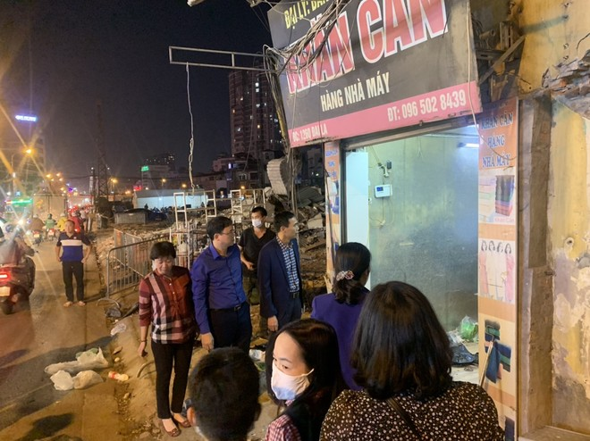 Dự án đường vành đai II tại Hà Nội: Lãnh đạo quận trực tiếp vận động, những hộ dân cuối cùng ở phường Đồng Tâm bàn giao mặt bằng ảnh 2