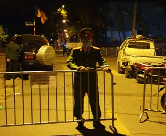 22h30 tối nay 29-11: Lực lượng Công binh tiến hành 'vô hiệu hóa' quả bom ở công trình 15 phố Cửa Bắc ảnh 1