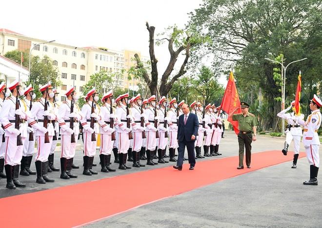 Thủ tướng Nguyễn Xuân Phúc dự Hội nghị Công an toàn quốc lần thứ 76 ảnh 1