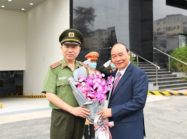 Thủ tướng Nguyễn Xuân Phúc dự Hội nghị Công an toàn quốc lần thứ 76 ảnh 2