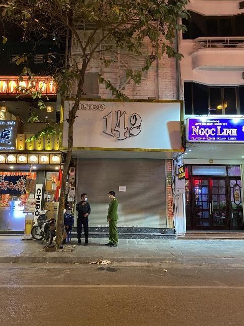 Đêm trắng ngăn ngừa nguy cơ dịch bệnh Covid-19 tại các quán karaoke ảnh 6