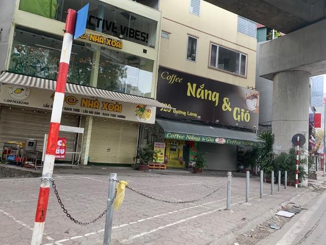 Hà Nội: Lực lượng Công an cơ sở triển khai tuyên truyền, nhắc nhở các hộ kinh doanh chấp hành yêu cầu phòng chống Covid, từ 0h ngày 16-2 ảnh 6