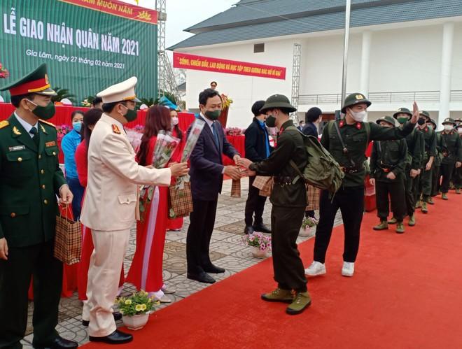Huyện Gia Lâm có 40 công dân thực hiện nghĩa vụ tham gia Công an nhân dân ảnh 1