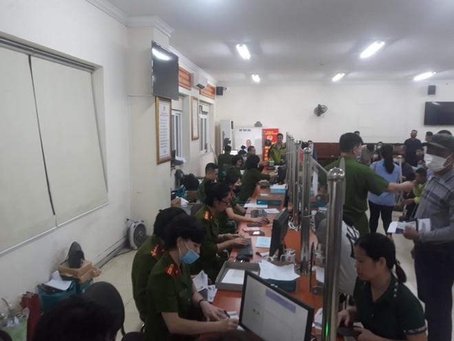 Lực lượng Quản lý hành chính Công an Hà Nội: Thiết lập 'kỷ lục' xử lý căn cước công dân gắn chip ảnh 3