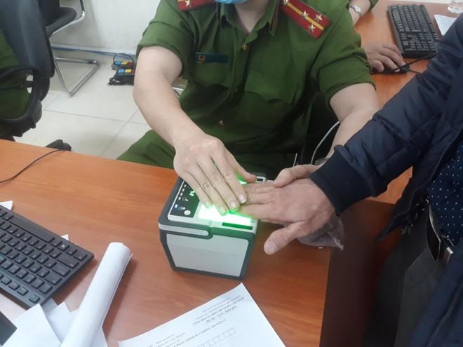 Lực lượng Quản lý hành chính Công an Hà Nội: Thiết lập 'kỷ lục' xử lý căn cước công dân gắn chip ảnh 5