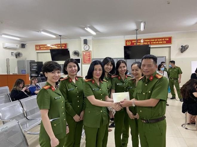 Lực lượng Quản lý hành chính Công an Hà Nội: Thiết lập 'kỷ lục' xử lý căn cước công dân gắn chip ảnh 13