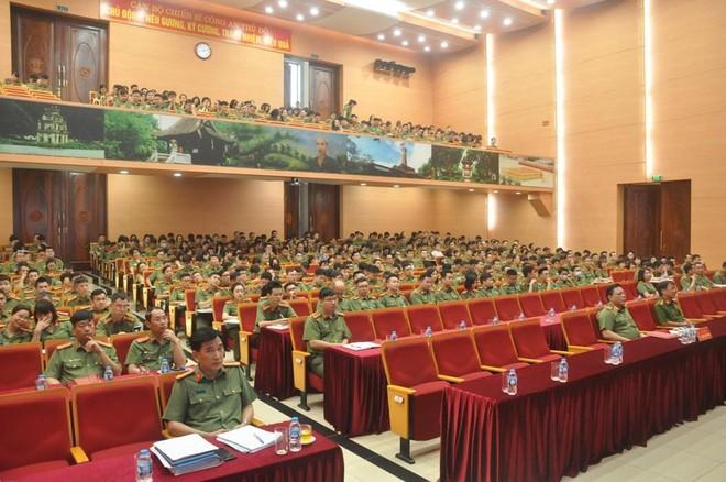 Công an Hà Nội tham gia học tập, quán triệt 10 chương trình công tác của Thành ủy Hà Nội (khóa XVII) ảnh 1