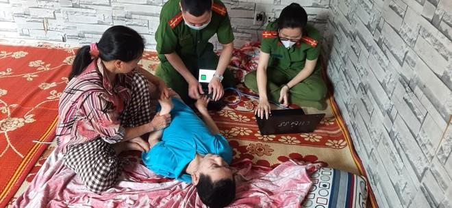 Cấp Căn cước gắn chip tại quận Long Biên (Hà Nội): Sáng tinh thần vì nhân dân phục vụ ảnh 13