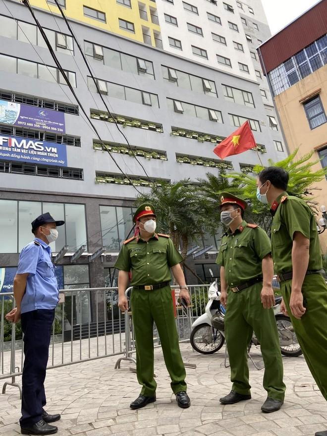 Quản lý chặt chung cư Viễn Đông Star, tái 'kích hoạt' khu cách ly Pháp Vân – Tứ Hiệp ảnh 1