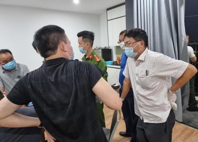 Hà Nội: Nhập cảnh trái phép, 11 người Trung Quốc cố thủ trong căn hộ chung cư ảnh 1