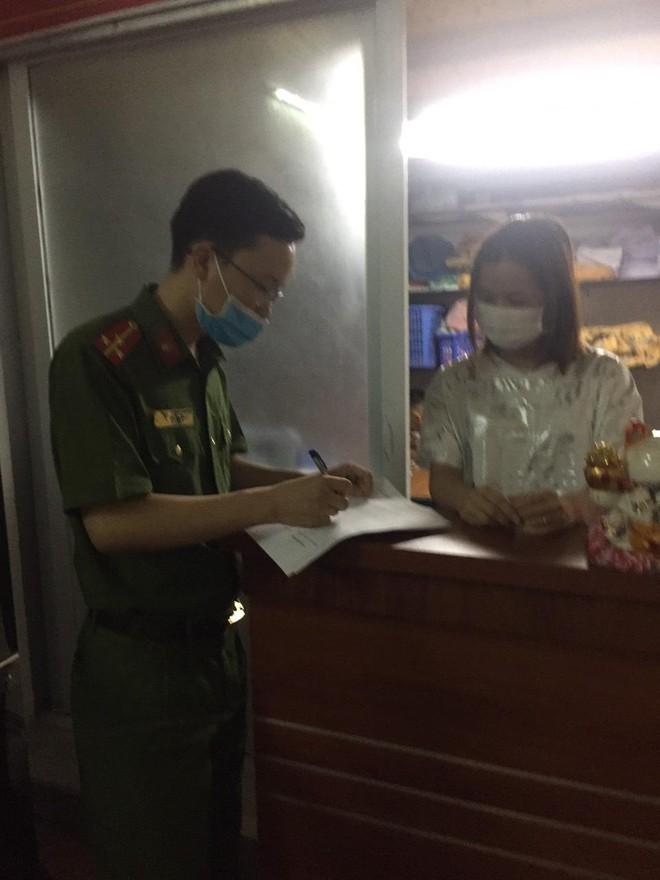 Xuyên đêm thực hiện Mệnh lệnh của Giám đốc Công an Hà Nội – rà soát người nhập cảnh, cư trú trái phép ảnh 3