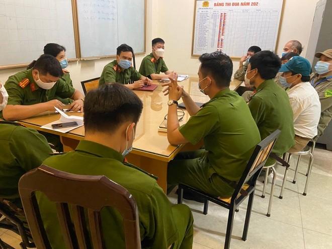 Xuyên đêm thực hiện Mệnh lệnh của Giám đốc Công an Hà Nội – rà soát người nhập cảnh, cư trú trái phép ảnh 6