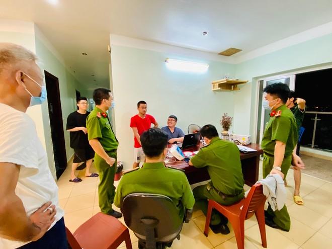 Xuyên đêm thực hiện Mệnh lệnh của Giám đốc Công an Hà Nội – rà soát người nhập cảnh, cư trú trái phép ảnh 4
