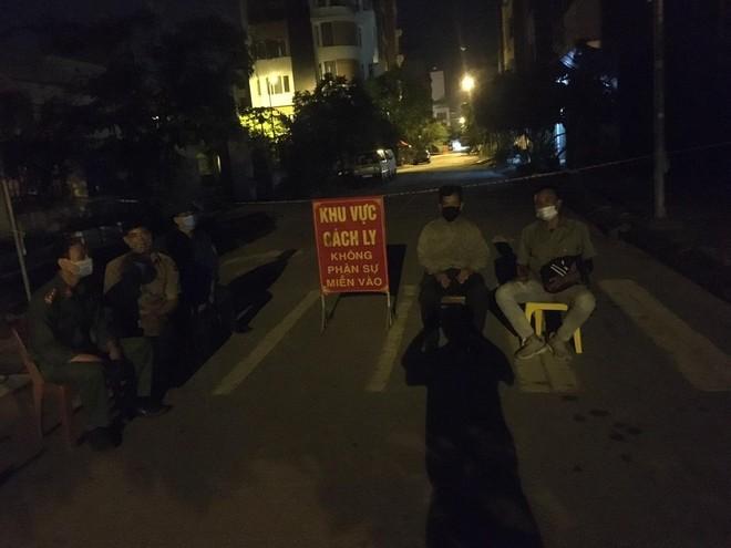 Xuyên đêm thực hiện Mệnh lệnh của Giám đốc Công an Hà Nội – rà soát người nhập cảnh, cư trú trái phép ảnh 13