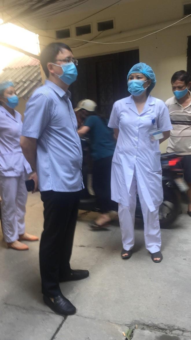 Hà Nội: 24 tiếng đồng hồ đầu tiên ở khu vực cách ly Covid nam bệnh nhân 9 tháng tuổi ảnh 3