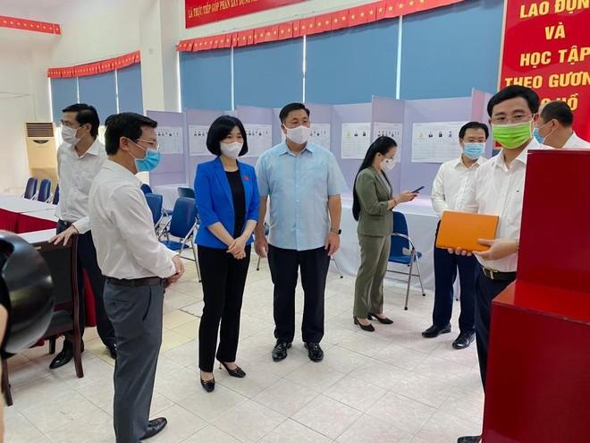 """Chung sức, đồng lòng cùng nhân dân xây dựng quận Hoàng Mai trở thành """"nơi đáng sống"""" ảnh 1"""