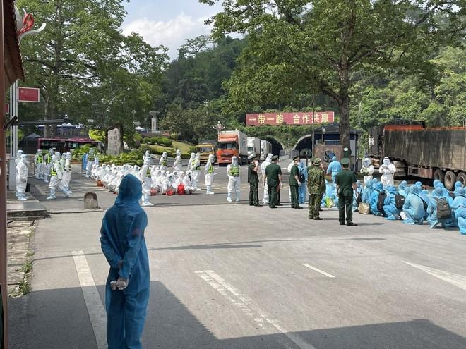 Trao trả 41 công dân Trung Quốc nhập cảnh trái phép ảnh 1