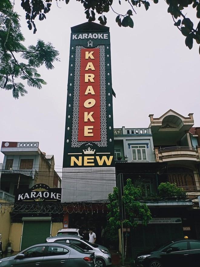 'Đón' khách mùa dịch, quán karaoke lắp camera dày đặc, lập lán biệt lập trông xe ảnh 1