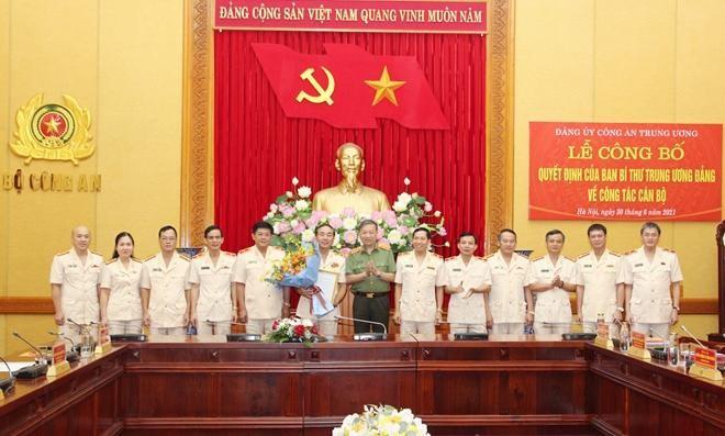 Công bố quyết định chuẩn y Trung tướng Trần Quốc Tỏ giữ chức Chủ nhiệm Ủy ban kiểm tra Đảng ủy Công an Trung ương ảnh 1