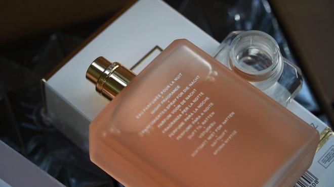 Chủ lô hàng hơn 11.000 sản phẩm nước hoa nhãn mác ngoại khai giá bán 40.000 đồng/ lọ ảnh 4