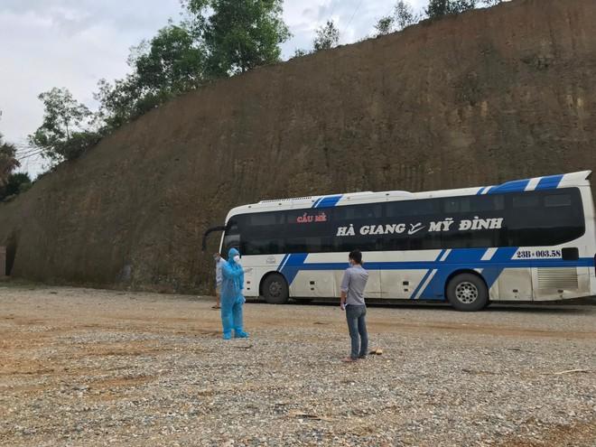 Bắc Giang: Truy giữ được đối tượng F0 bỏ trốn khỏi khu điều trị Covid ảnh 1