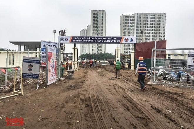"""""""Tạo hạ tầng tốt thi công bệnh viện dã chiến điều trị bệnh nhân Covid 19 là quyết tâm lớn của quận Hoàng Mai"""" ảnh 1"""