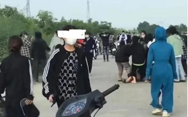 Hai nữ sinh cấp 3 cầm đầu... hai nhóm 50 đối tượng hỗn chiến bằng dao, gậy, mũ bảo hiểm ảnh 1