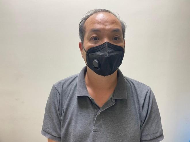 Triệu tập lái xe ô tô húc đẩy 2 mẹ con đi xe máy cả trăm mét trong đêm mưa tại Hà Đông ảnh 1