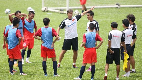 U23 Việt Nam chuẩn bị cho SEA Games 26: Sức sống mới ảnh 1