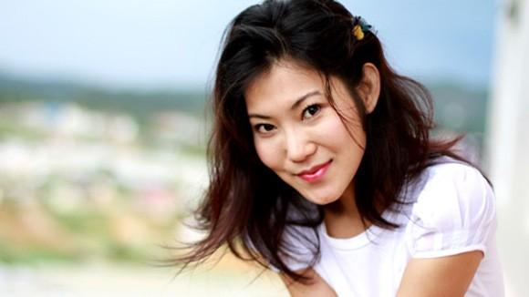 Nữ diễn viên Kim Phượng ngổ ngáo như... bà trùm ảnh 1