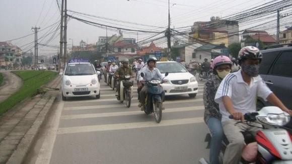 Taxi vi phạm, trách nhiệm thuộc về ai? ảnh 1