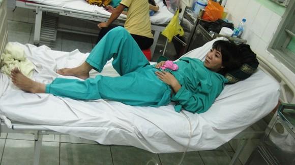 Xông vào bệnh viện chém trọng thương 2 mẹ con ảnh 1