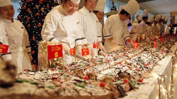 Bánh Giáng sinh dài 1.068m ảnh 1
