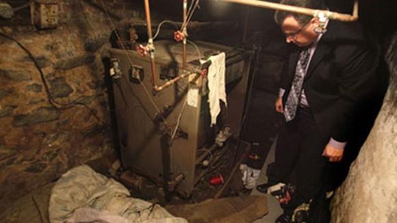 Căn hầm chất chứa tội ác ảnh 1