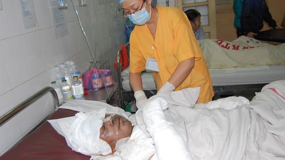 Vụ cháy cửa hàng gas Phú Vinh: Nạn nhân đang nguy kịch ảnh 1