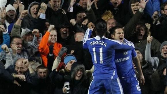 Chelsea - Manchester City: 2-1 Cuộc đua bớt nhàm chán ảnh 1