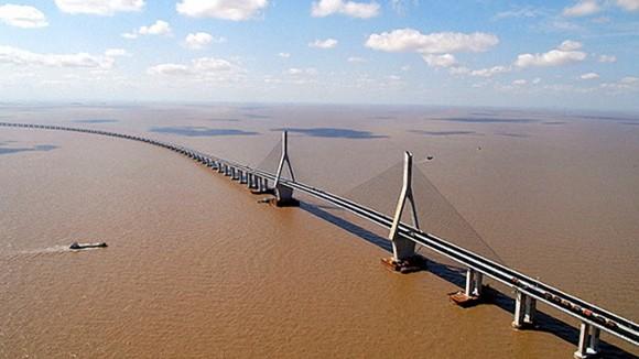 Xây cầu dài nhất qua sông Hồng ảnh 1