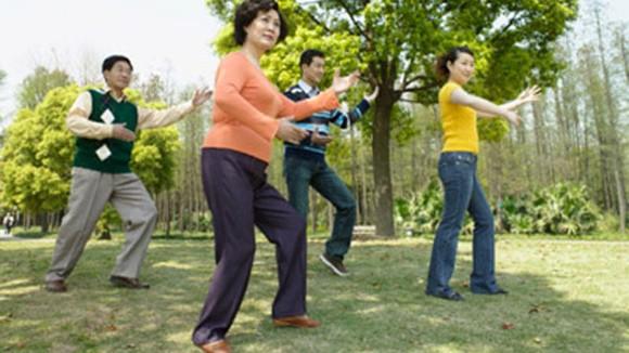 Tuổi trung niên và mối lo bệnh xương khớp ảnh 1