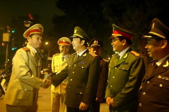 Thượng tướng Đặng Văn Hiếu kiểm tra công tác ứng trực Tết của CAHN ảnh 3