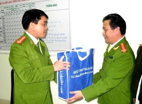 Thượng tướng Đặng Văn Hiếu kiểm tra công tác ứng trực Tết của CAHN ảnh 5