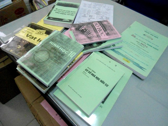 Phát hiện hàng tấn sách lậu ở quận Thanh Xuân ảnh 1