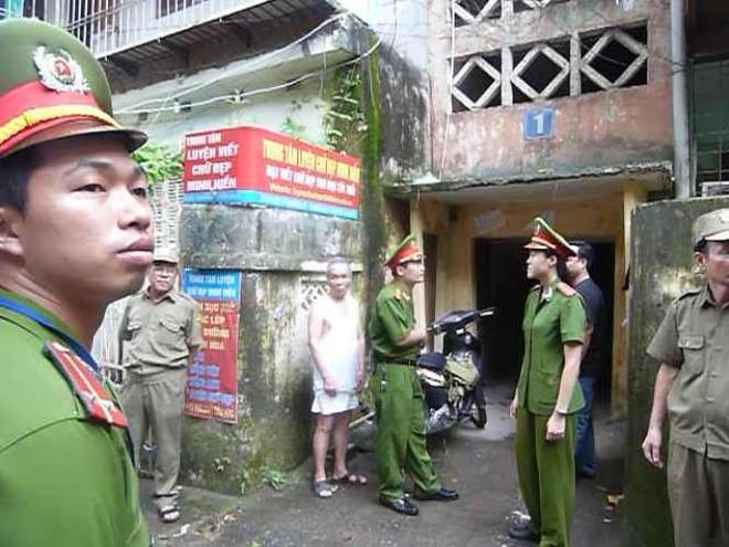 Vụ khống chế con tin ở Thanh Xuân Bắc: Hung thủ khai nhận động cơ ảnh 4