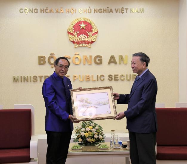 Bộ trưởng Bộ Công an Tô Lâm tiếp Đại sứ Vương quốc Thái Lan ảnh 2