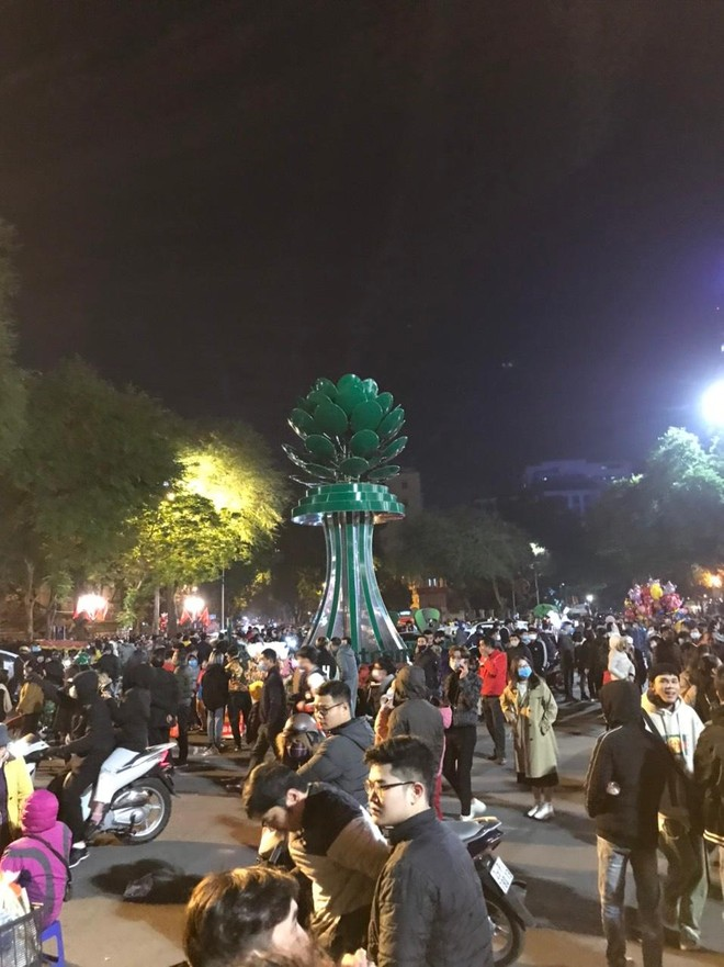 Bình yên đêm 'giao thừa' đón chào năm mới 2021 ảnh 2