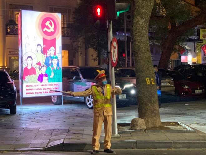Công an Hà Nội đảm bảo tuyệt đối an toàn đêm giao thừa Tết Tân Sửu 2021 ảnh 1