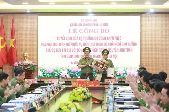 Công bố quyết định của Bộ trưởng Bộ Công an về công tác cán bộ của Công an Hà Nội ảnh 1