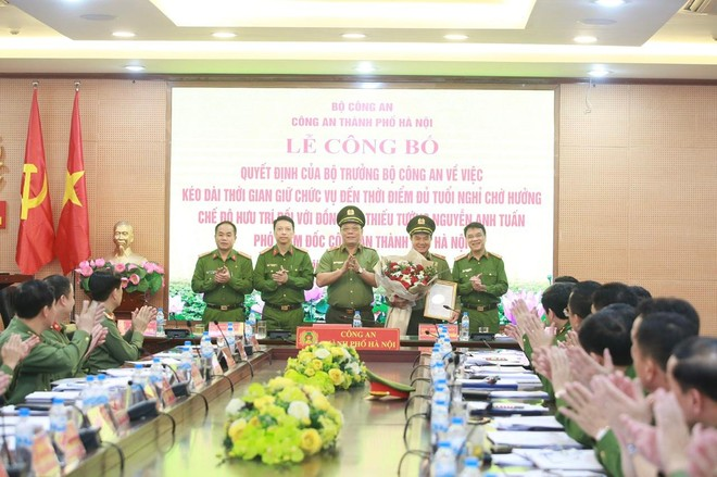 Công bố quyết định của Bộ trưởng Bộ Công an về công tác cán bộ của Công an Hà Nội ảnh 2